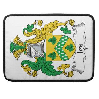 Escudo de la familia de la alegría fundas para macbook pro