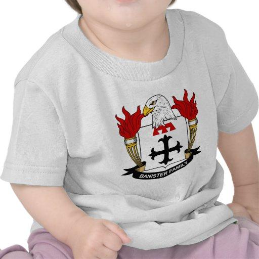 Escudo de la familia de la barandilla camisetas