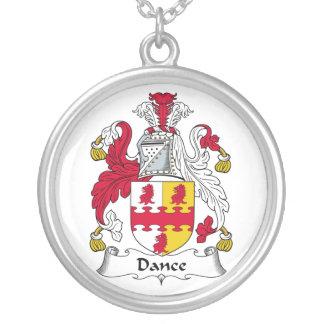 Escudo de la familia de la danza colgante redondo
