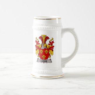 Escudo de la familia de la estocada jarra de cerveza