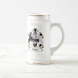 Escudo de la familia de la luna jarra de cerveza