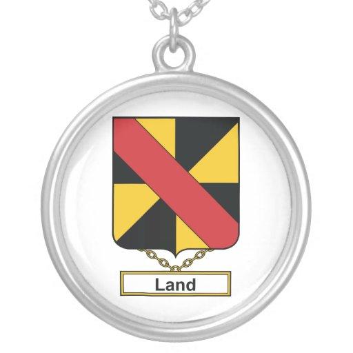 Escudo de la familia de la tierra colgantes