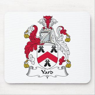 Escudo de la familia de la yarda alfombrillas de raton