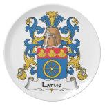 Escudo de la familia de Larue Platos Para Fiestas