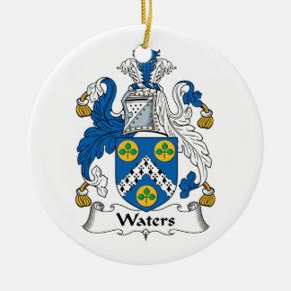 Escudo de la familia de las aguas adorno de reyes