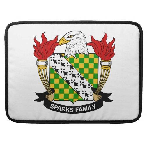 Escudo de la familia de las chispas funda para macbooks