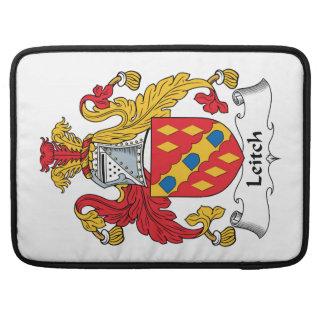 Escudo de la familia de Leitch Funda Macbook Pro
