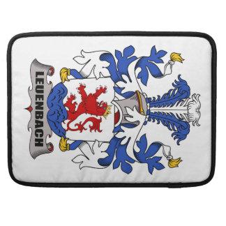 Escudo de la familia de Leuenbach Fundas Para Macbook Pro