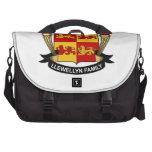 Escudo de la familia de Llewellyn Bolsas De Ordenador