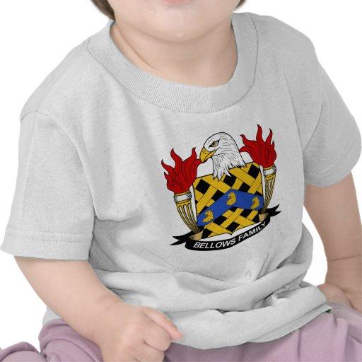 Escudo de la familia de los bramidos camiseta