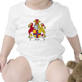 Escudo de la familia de los hierros trajes de bebé