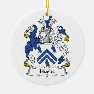 Escudo de la familia de los Hucks Adorno Navideño Redondo De Cerámica