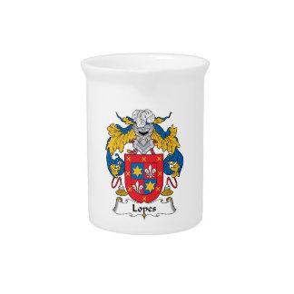 Escudo de la familia de los medios galopes jarras para bebida