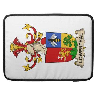Escudo de la familia de Lowenthal Funda Para Macbook Pro