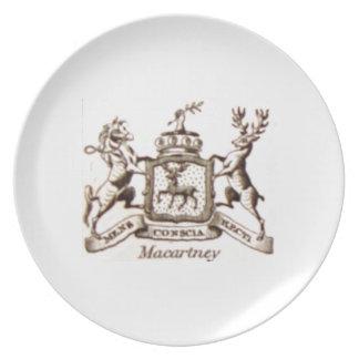 Escudo de la familia de Macartney Plato