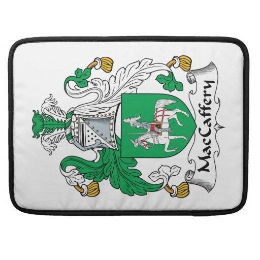 Escudo de la familia de MacCaffery Funda Macbook Pro