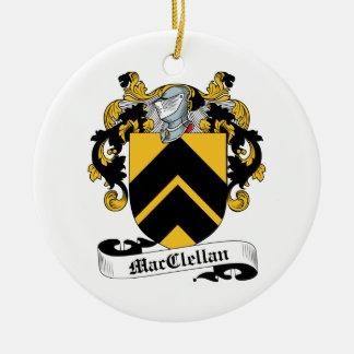 Escudo de la familia de MacClelland Adorno Navideño Redondo De Cerámica