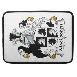 Escudo de la familia de MacCodden Fundas Para Macbook Pro