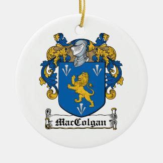 Escudo de la familia de MacColgan Adorno Navideño Redondo De Cerámica