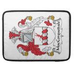 Escudo de la familia de MacCorquodale Fundas Para Macbook Pro