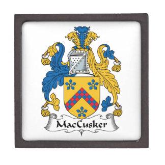 Escudo de la familia de MacCusker Caja De Recuerdo De Calidad