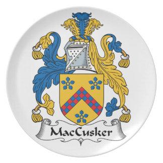 Escudo de la familia de MacCusker Plato