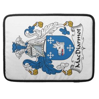 Escudo de la familia de MacDiarmot Fundas Para Macbook Pro