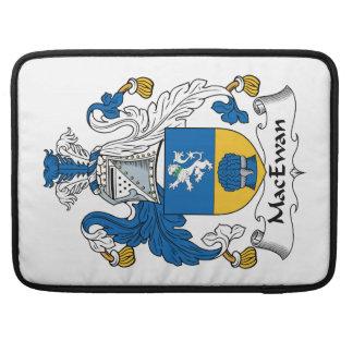 Escudo de la familia de MacEwan Fundas Para Macbooks