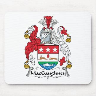 Escudo de la familia de MacGaughney Alfombrillas De Raton