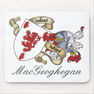 Escudo de la familia de MacGeoghegan Alfombrillas De Ratón