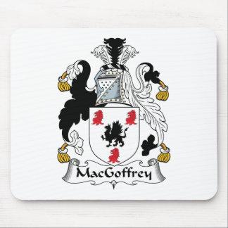 Escudo de la familia de MacGoffrey Alfombrillas De Ratones
