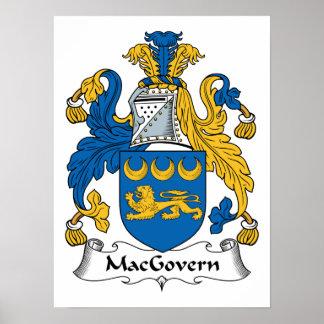 Escudo de la familia de MacGovern Posters