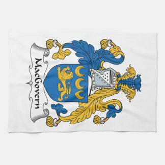Escudo de la familia de MacGovern Toallas De Mano