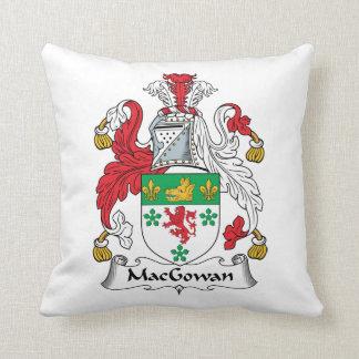 Escudo de la familia de MacGowan Cojín Decorativo