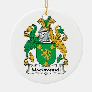Escudo de la familia de MacGrannell Adorno Navideño Redondo De Cerámica