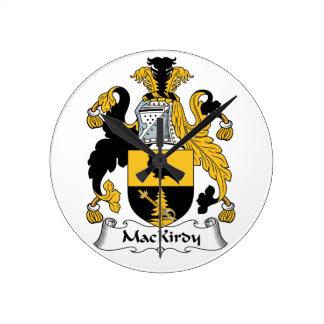 Escudo de la familia de MacKirdy Relojes De Pared