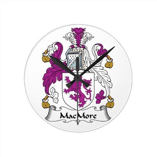 Escudo de la familia de MacMore Reloj Redondo Mediano
