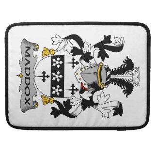 Escudo de la familia de Maddox Fundas Para Macbook Pro