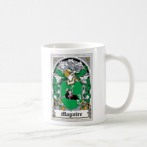 Escudo de la familia de Maguire Taza Básica Blanca