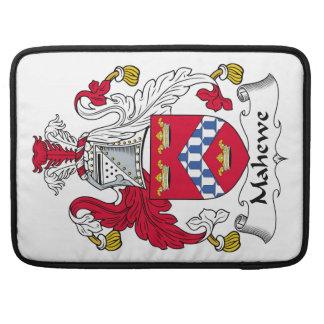 Escudo de la familia de Mahewe Fundas Macbook Pro