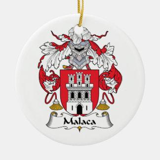 Escudo de la familia de Malaca Adorno Navideño Redondo De Cerámica