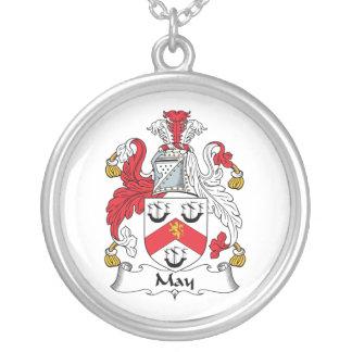 Escudo de la familia de mayo grímpola