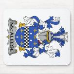 Escudo de la familia de McAleese Alfombrilla De Ratones