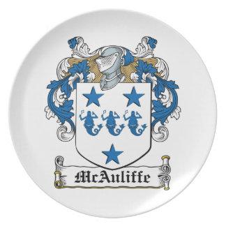 Escudo de la familia de McAuliffe Plato Para Fiesta