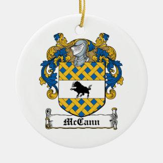 Escudo de la familia de McCann Ornamento Para Reyes Magos