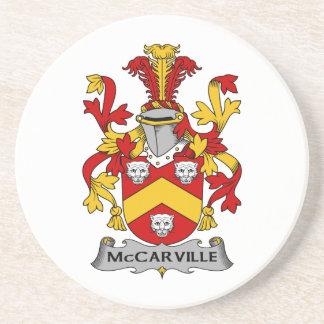 Escudo de la familia de McCarville Posavasos Cerveza