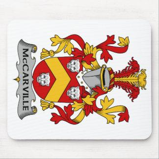 Escudo de la familia de McCarville Alfombrilla De Raton