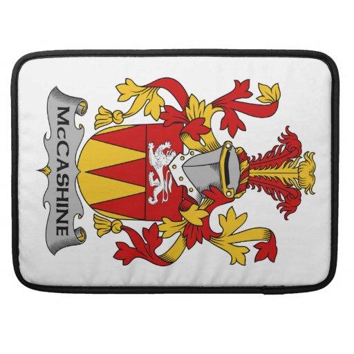 Escudo de la familia de McCashine Funda Para Macbooks