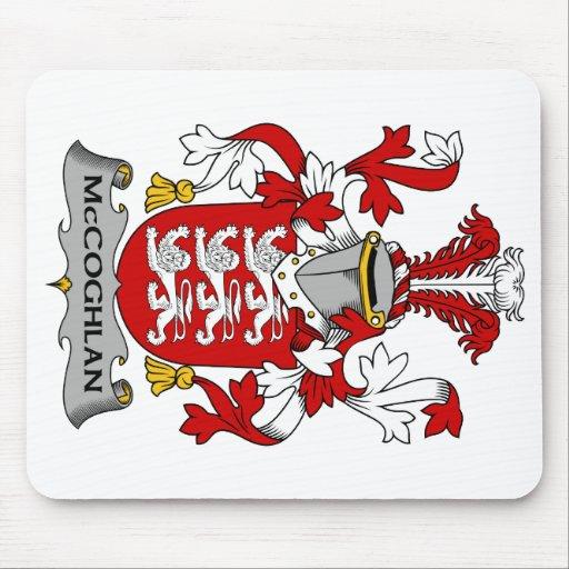 Escudo de la familia de McCoghlan Alfombrillas De Ratones
