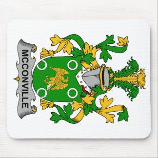 Escudo de la familia de McConville Tapete De Ratones